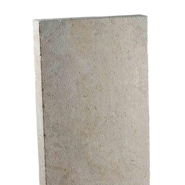 Stèle pierre rectangulaire, ocre