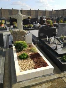 Une tombe végétalisée