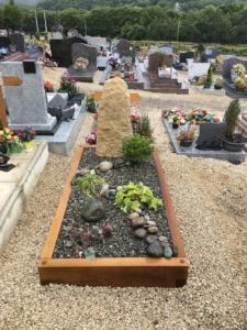 Une tombe jardin