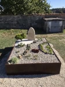 Une tombe jardin zen